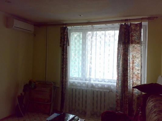 1-комнатная квартира посуточно в Феодосии. Феодосия, Генерала Горбачева, 4, 4. Фото 1