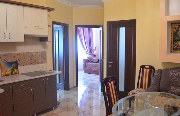 3-комнатная квартира посуточно в Одессе. Приморский район, ул. Среднефонтанская, 19В. Фото 1