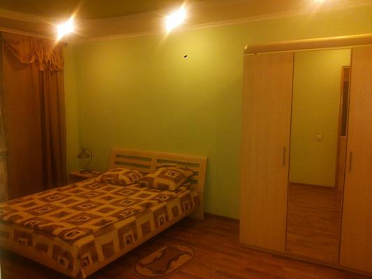 2-комнатная квартира посуточно в Трускавце. ул. Саломеи Крушельницкой, 6. Фото 1