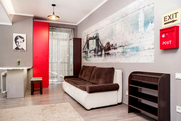 1-комнатная квартира посуточно в Днепропетровске. Кировский район, пл. Вокзальная, 1. Фото 1