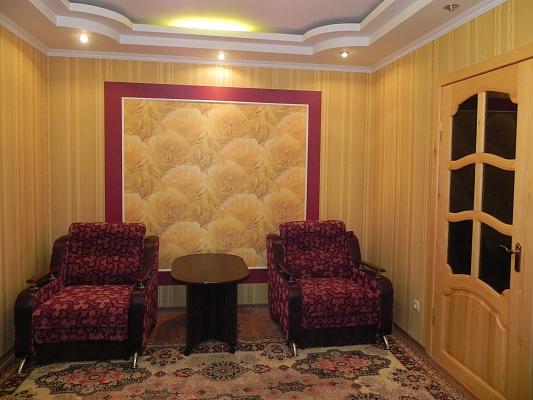 2-комнатная квартира посуточно в Херсоне. Днепровский район, И. Кулика, 126. Фото 1